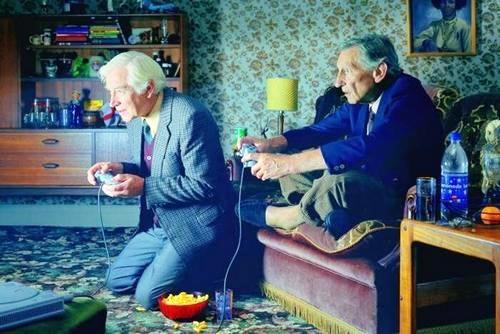 Sem Alzheimer! Jogar videogame diariamente ajuda idosos a protegerem memória