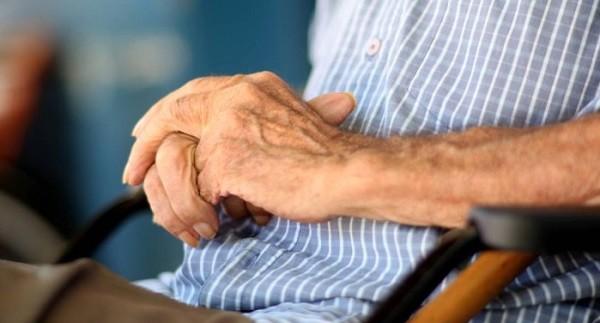 Não faltam leis e garantias ao idoso, falta aplicação prática, diz demógrafo
