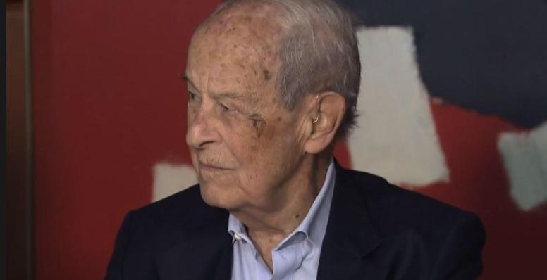 "Aos 99 anos, o ""banqueiro invisível"" ainda dá as cartas"